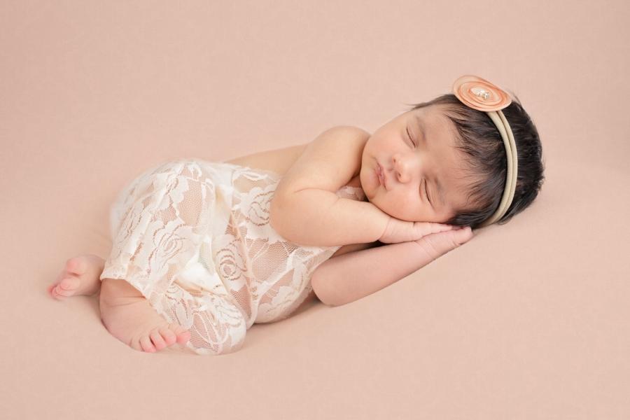 Toledo_Newborn_Photography-20180220012756.jpg