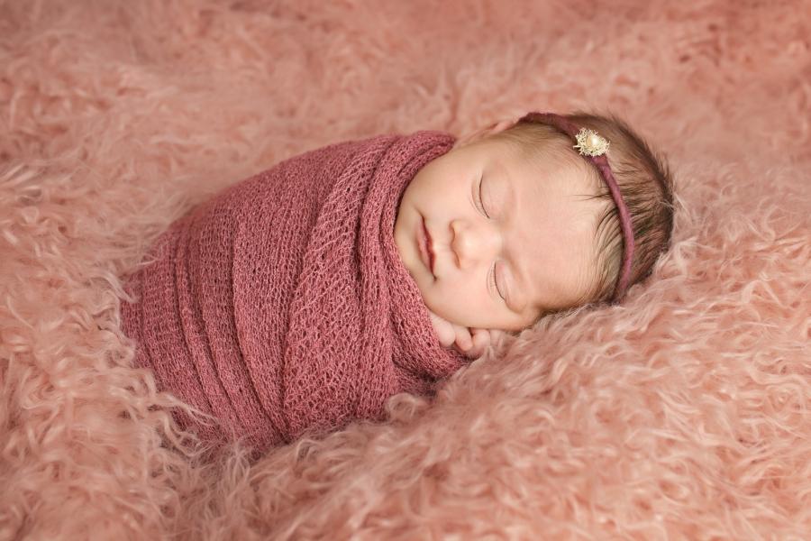 Toledo_Newborn_Photography-20180408225721.jpg