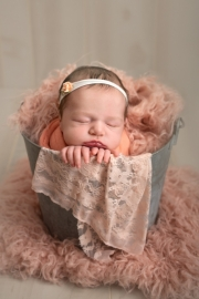 Toledo_Newborn_Photography_Studio-20180514-004413.jpg