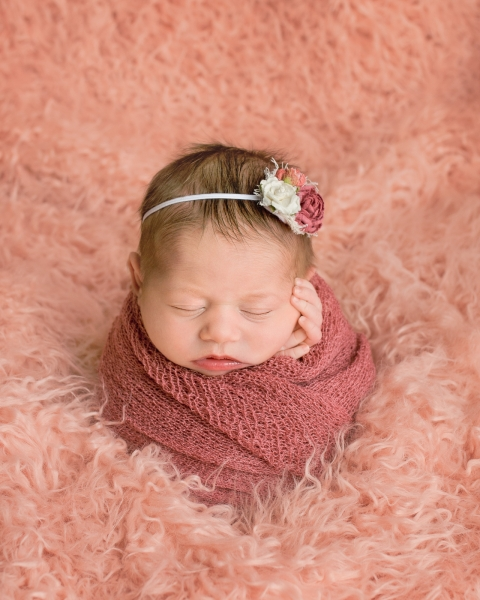 Toledo_Newborn_Photography_Studio-20180408-225300.jpg
